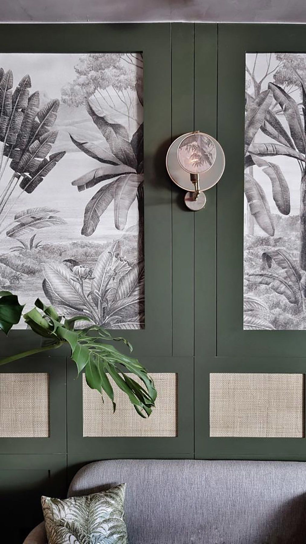 Palm leaves and wood wall decor