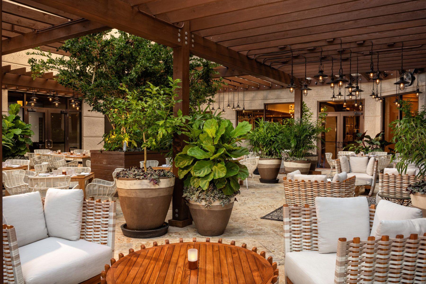 Outdoor Garden Lounge at Isabelles Restaurant